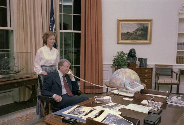 History Print featuring the photograph Jimmy Carter And Rosalynn Carter by Everett