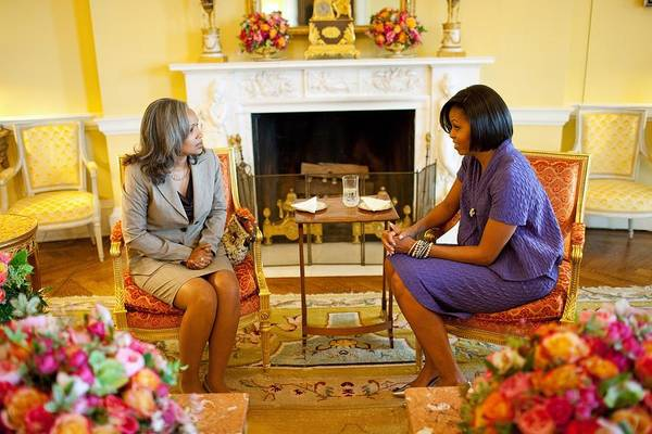History Print featuring the photograph Michelle Obama Talks With Elizabeth by Everett