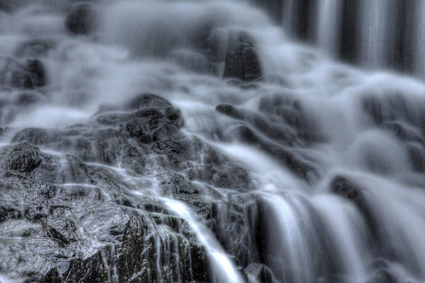 Buttermilk Falls Print featuring the photograph Skull On The Rocks by Jeff Bord