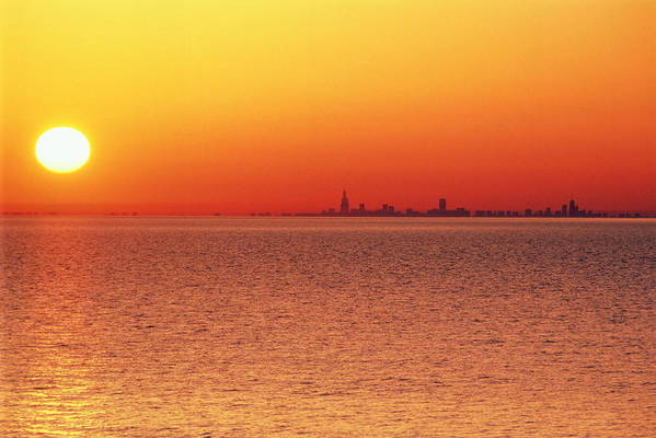 Horizontal Print featuring the photograph Usa,chicago,lake Michigan,orange Sunset,city Skyline In Distance by Frank Cezus