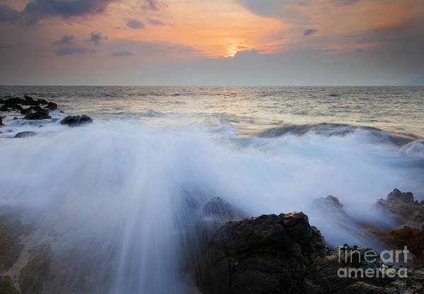 Kihei Print featuring the photograph Incoming by Mike Dawson