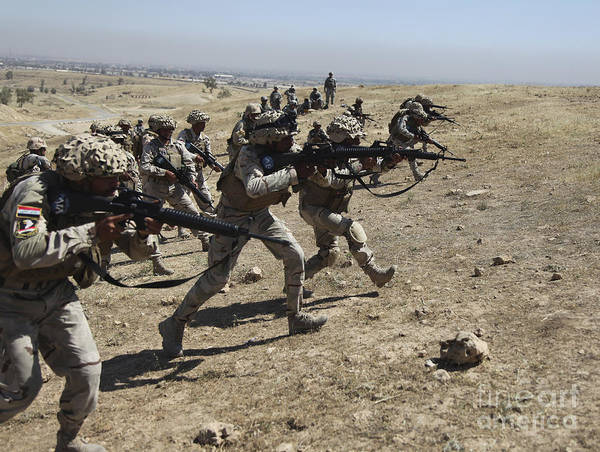 Iraq Print featuring the photograph Iraqi Army Soldiers Move To Positions by Stocktrek Images