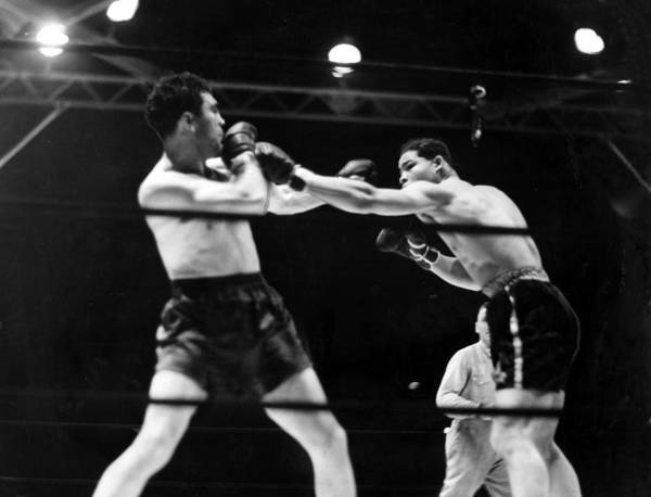 1930s Print featuring the photograph Max Schmeling Fights Joe Louis by Everett