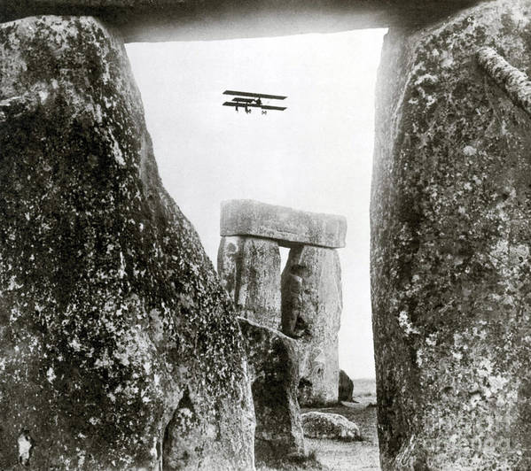 Archeology Print featuring the photograph Stonehenge 1914 by Science Source