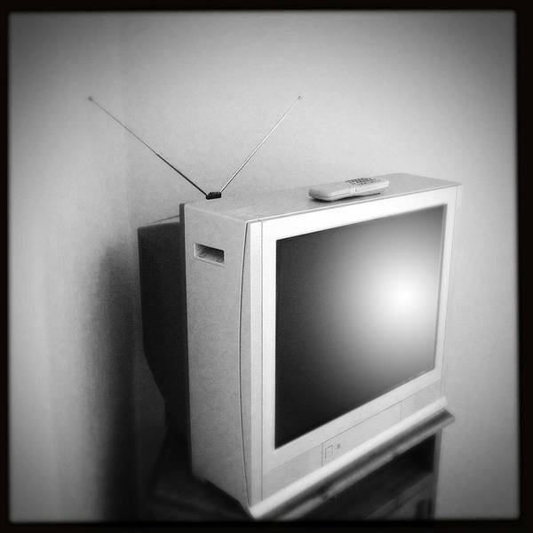 Old Tv Print featuring the photograph Old Television by Les Cunliffe