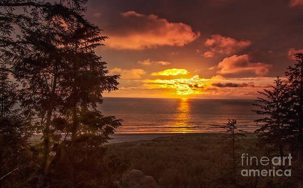 Sunset Print featuring the photograph Pacific Sunset by Robert Bales