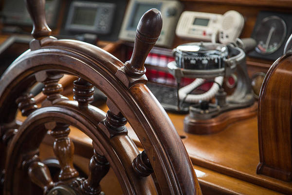 Ships Wheel Print featuring the photograph Ships Wheel by Dale Kincaid
