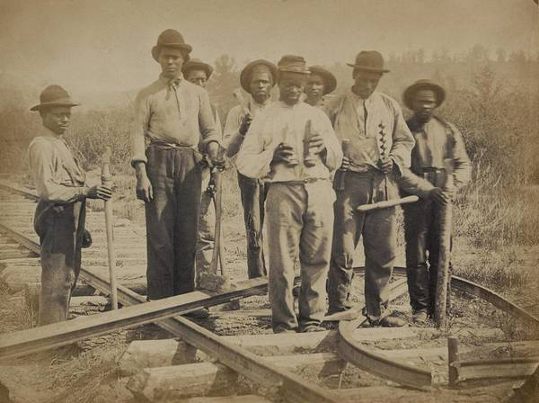 History Print featuring the photograph African American Work Team by Everett