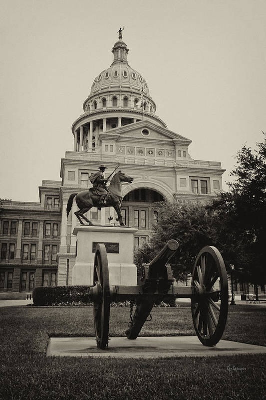 Capitol Of Austin Print featuring the photograph Austin Capitol by Lisa Spencer