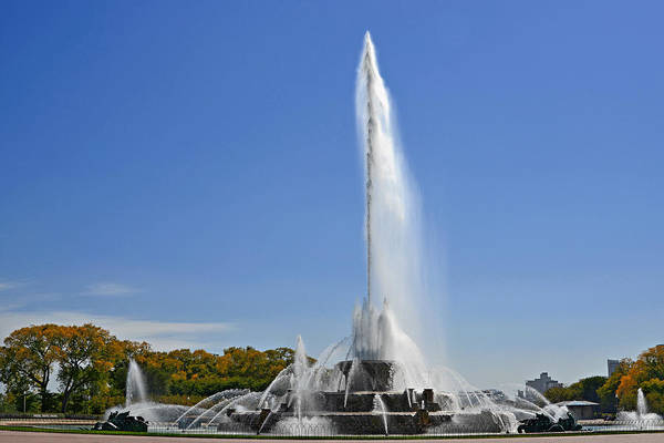 Clarence Print featuring the photograph Buckingham Fountain - Chicago's Iconic Landmark by Christine Till
