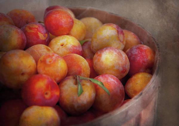 Hdr Print featuring the photograph Food - Peaches - Farm Fresh Peaches by Mike Savad