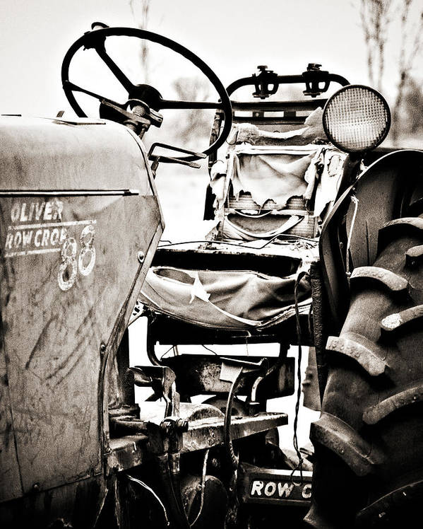 Americana Print featuring the photograph Beautiful Oliver Row Crop Old Tractor by Marilyn Hunt