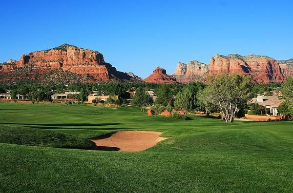 Sedona Print featuring the photograph Golf In Paradise by Gary Kaylor