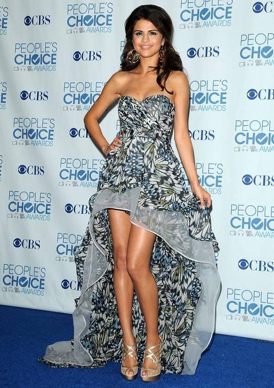 Selena Gomez Print featuring the photograph Selena Gomez Wearing An Irina Shabayeva by Everett