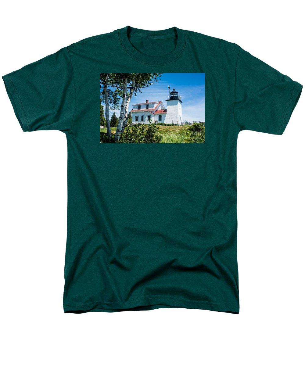 Fort Point Lighthouse Stockton Springs Me T Shirt For