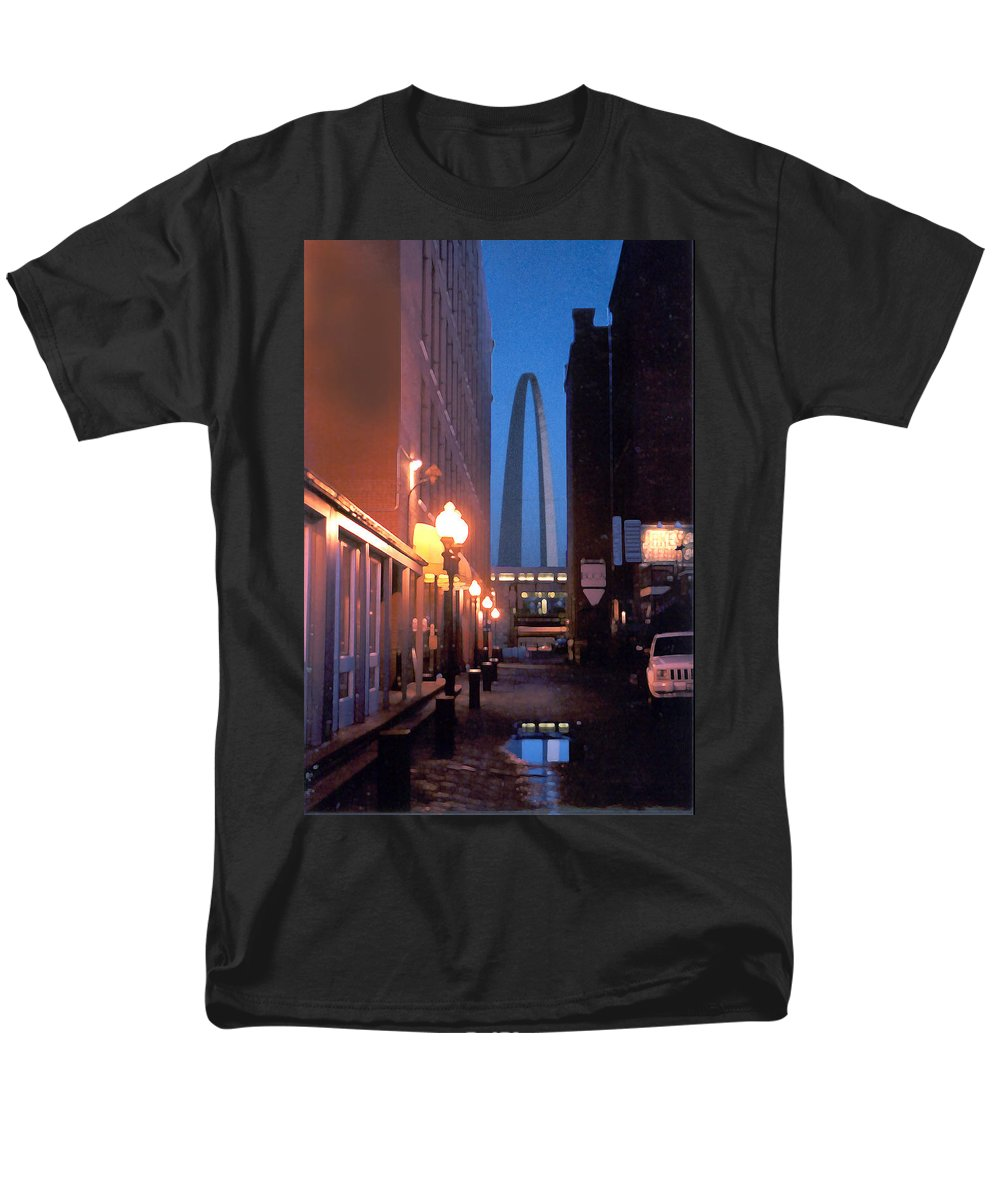 St. Louis Men's T-Shirt (Regular Fit) featuring the photograph St. Louis Arch by Steve Karol