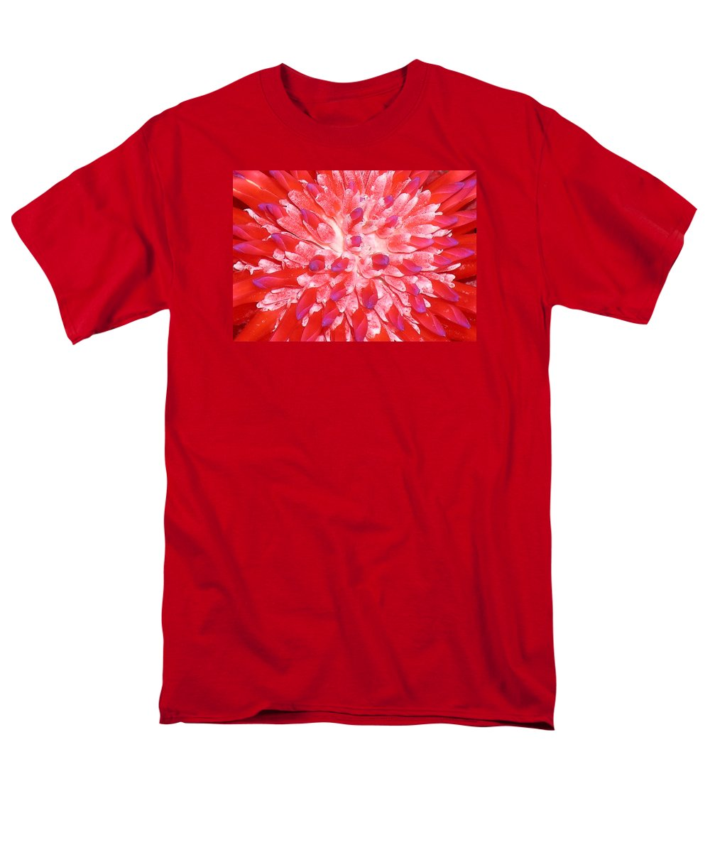Hawaii Iphone Cases Men's T-Shirt (Regular Fit) featuring the photograph Molokai Bromeliad by James Temple