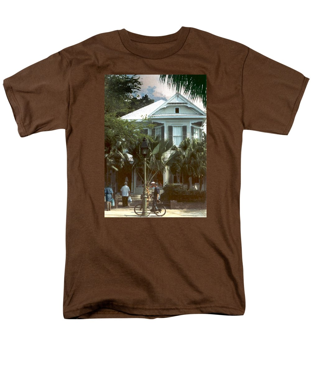 Historic Men's T-Shirt (Regular Fit) featuring the photograph Keywest by Steve Karol