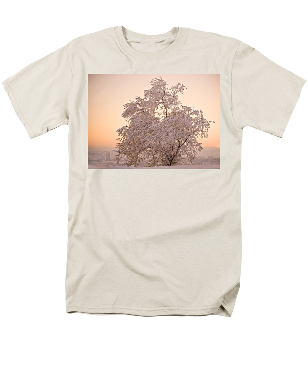 Winter Men's T-Shirt (Regular Fit) featuring the photograph Winter Sunset by Marilyn Hunt