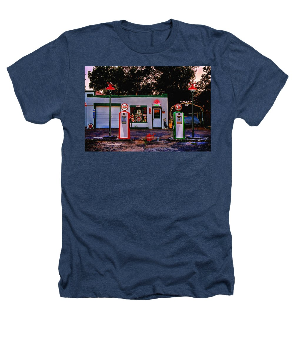 Gas Station Heathers T-Shirt featuring the photograph Sinclair by Steve Karol
