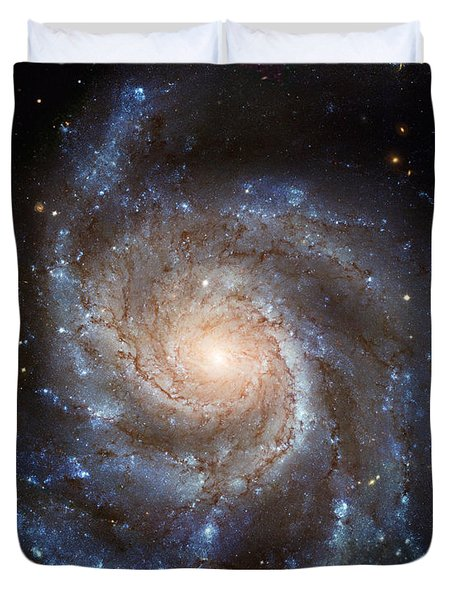 Messier 101 Duvet Cover by Barbara McMahon