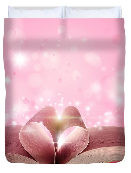 Book love Duvet Cover by Les Cunliffe