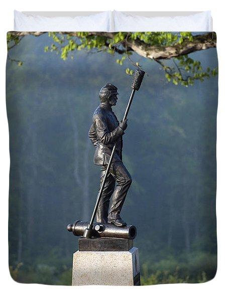 Devil's Den Monument at Gettysburg Duvet Cover by John Greim