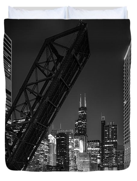Kinzie Street Railroad Bridge At Night In Black And White Duvet Cover by Sebastian Musial