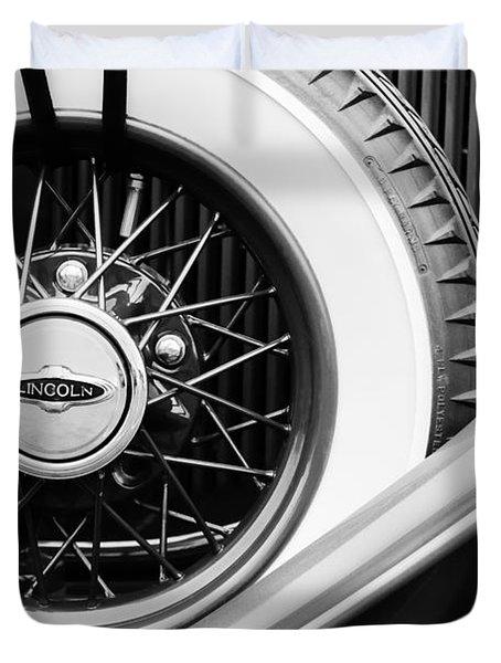 Lincoln Spare Tire Emblem Duvet Cover by Jill Reger