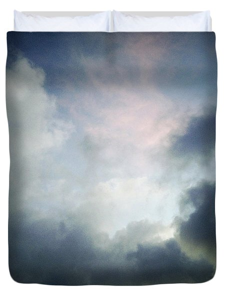 Storm clouds Duvet Cover by Les Cunliffe