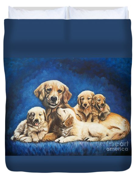 145 Golden Retriever And Pups Duvet Cover by Sigrid Tune