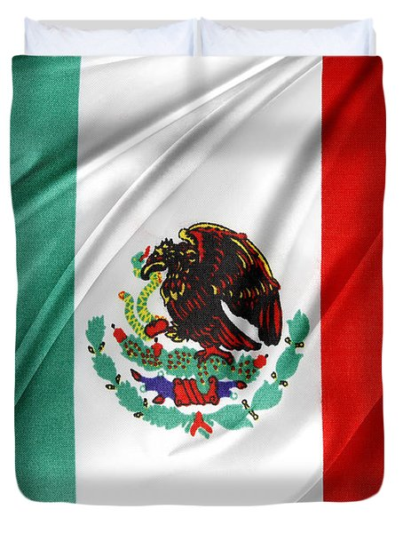 Mexican Flag Duvet Cover by Les Cunliffe