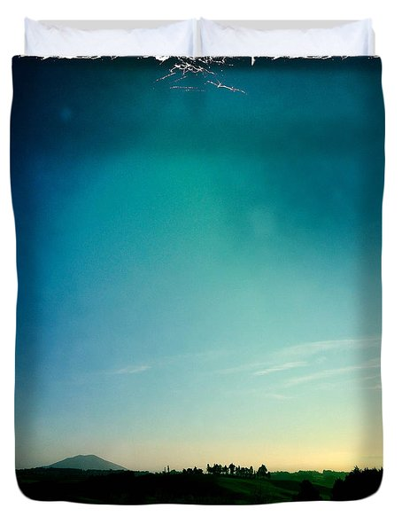 New Zealand Duvet Cover by Les Cunliffe