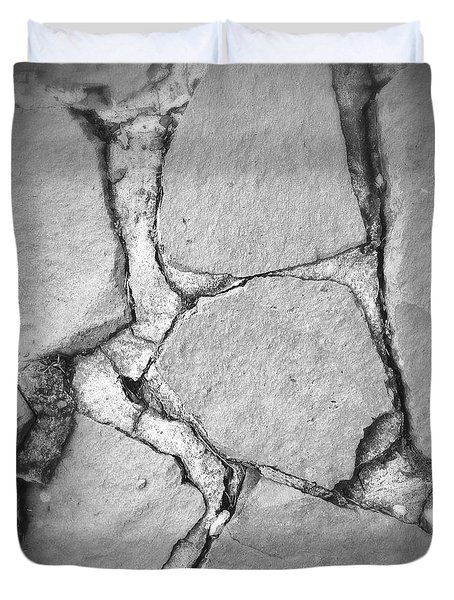 Rock Wall Duvet Cover by Les Cunliffe