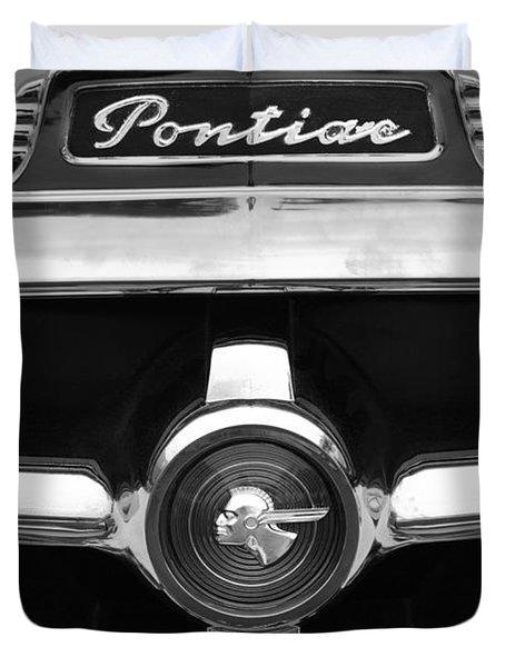 1951 Pontiac Streamliner Grille Emblem Duvet Cover by Jill Reger
