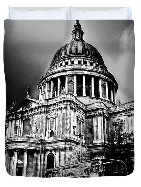 St Pauls Cathedral London Art Duvet Cover by David Pyatt