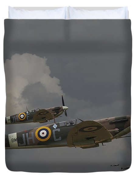 317 Polish Squadron Duvet Cover by Pat Speirs
