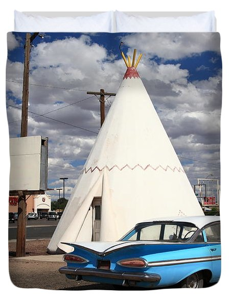 Route 66 - Wigwam Motel Duvet Cover by Frank Romeo