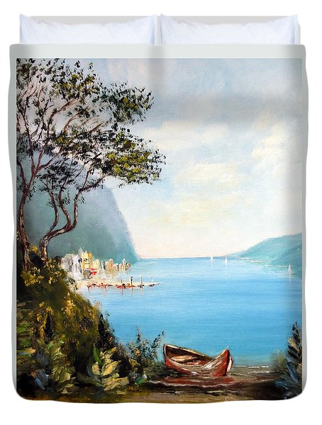 A Boat On The Beach Duvet Cover by Lee Piper
