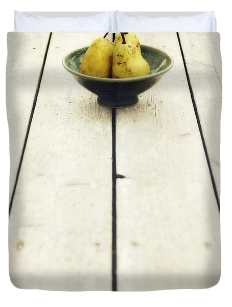a bowl filled with pears Duvet Cover by Priska Wettstein