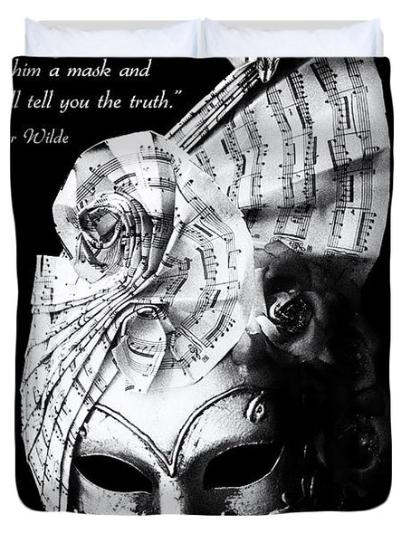 A picture of a venitian mask accompanied by an Oscar Wilde quote Duvet Cover by Nila Newsom