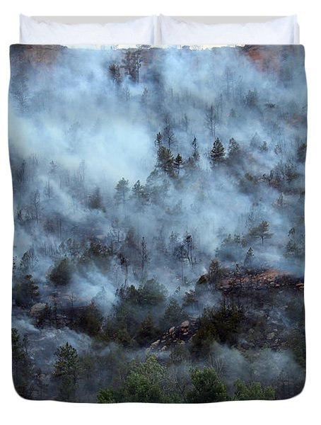Duvet Cover featuring the photograph A Smoky Slope On White Draw Fire by Bill Gabbert