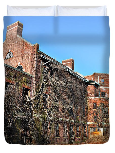 Abandoned Asylum Duvet Cover by Bill Cannon