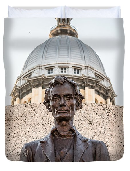 Abraham Lincoln Statue At Illinois State Capitol Duvet Cover by Paul Velgos