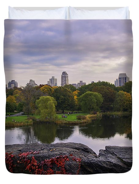 Across The Pond 2 - Central Park - Nyc Duvet Cover by Madeline Ellis