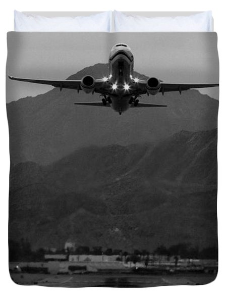 Alaska Airlines Palm Springs Takeoff Duvet Cover by John Daly