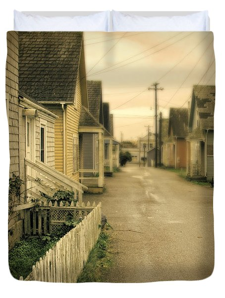 Alley And Abandoned Houses Duvet Cover by Jill Battaglia