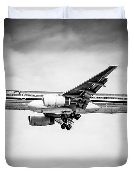 Amercian Airlines Airplane In Black And White Duvet Cover by Paul Velgos
