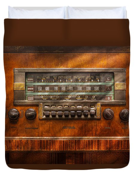Americana - Radio - Remember What Radio Was Like Duvet Cover by Mike Savad