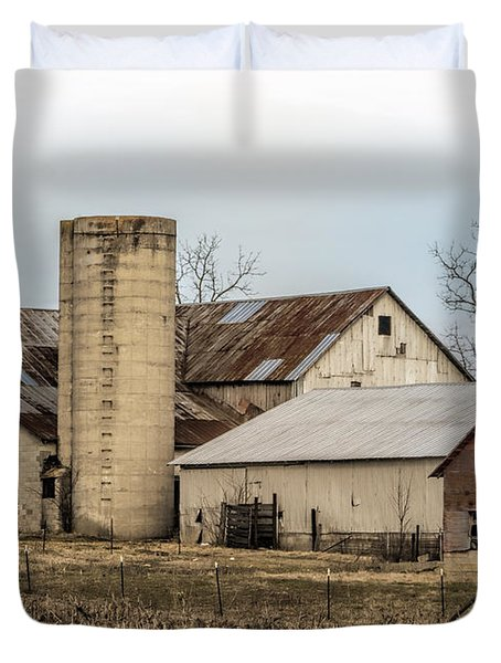 Amish Farm In Etheridge Tennessee Usa Duvet Cover by Kathy Clark